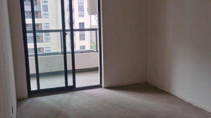 蚌山区城东毛坯4室2厅2卫二手房出售